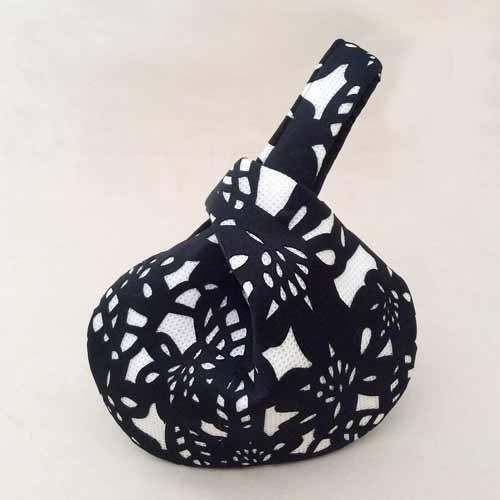 Black/White Silhouette Wristlet